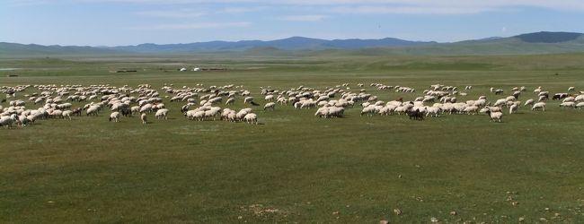 モンゴルの大草原、ボルガン山、博物館な...