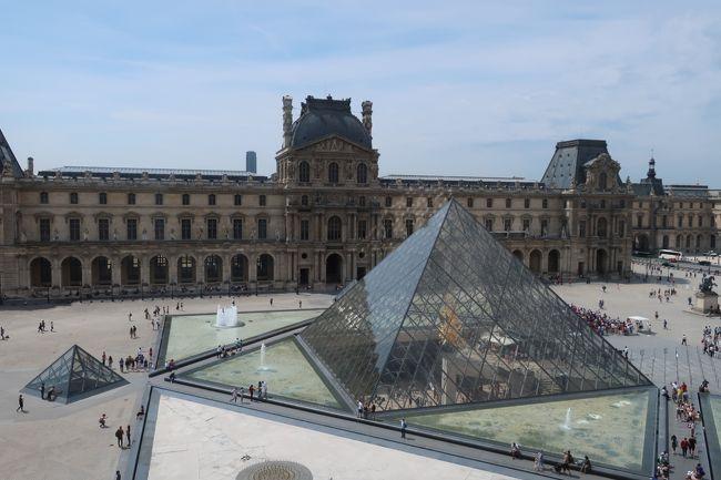 フランスの素敵な景色、建物、芸術を見たくて、ルーヴル美術館以外は行ったことのない場所を中心に回りました。<br />パリを拠点に、行きやすい場所で行ったことのない場所、と探して見つけたロワールの古城巡りと、念願のモンサンミッシェルへそれぞれ1泊2日で行ってきました。<br /><br />1~4日目 パリ市内観光、パリ泊<br />5日目 ブロワ→トゥール泊<br />6日目 トゥール→アンボワーズ→パリ泊<br />7日目 モンサンミッシェル(対岸)泊<br />8日目 モンサンミッシェル→レンヌ→パリ泊<br />