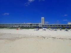 久米島と沖縄本島(4)イーフビーチホテルのオーシャンビュールーム。ホテルで頂くディナーはふんだんな久米島産食材。車海老にマグロに・・・