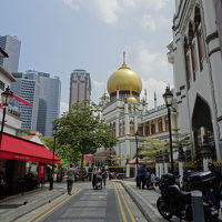 はじめてのシンガポール (2) ラッフルズホテルショップ、足ツボマッサージ、アラブストリート、リバークルーズ