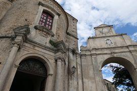 美しき南イタリア旅行♪ Vol.117(第5日)☆Gerace:イタリア美しき村「ジェラーチェ」大聖堂の後ろ姿と美しい城門♪