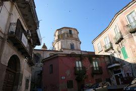美しき南イタリア旅行♪ Vol.148(第6日)☆Crotone:「クロトーネ旧市街」見え隠れする教会♪