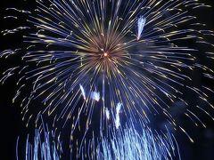 神明の花火-5 特大スターマイン 紫陽花の色狙い ☆2秒の光跡を追って手持ち撮影