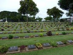 カンチャナブリ連合軍共同墓地へ