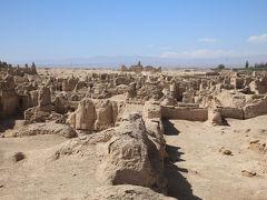 シルクロード新疆ウイグルへの旅・・・トルファンの火焔山と交河故城