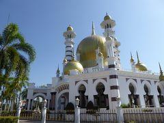 イポーからショートバストリップ マレーシアで一番美しいというクアラカンサーのウブディアモスクと洞窟寺院ペラ・トン