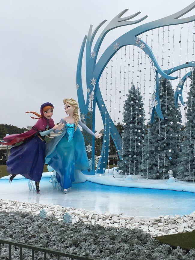 今回は妹と母と私と娘の女子旅です。<br />ずいぶん前のことなので覚えていることで書いてます。少し遅めの雪が降る中のディズニー寒かったです。<br />今年の11月に行くので思い出しながら参考までに!