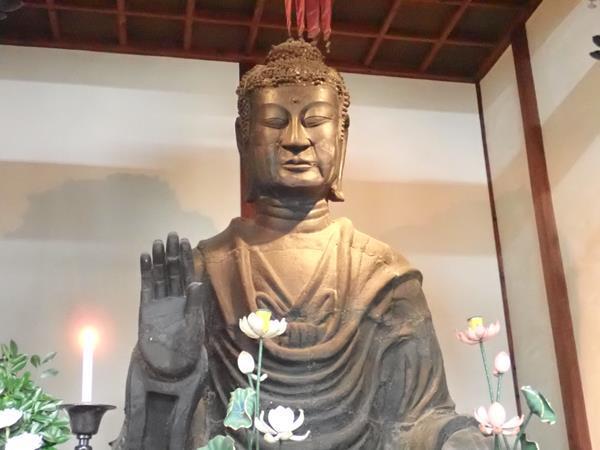 秋の奈良(8)日本最古の大仏・飛鳥大仏(飛鳥寺)と蘇我入鹿首塚