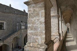 美しき南イタリア旅行♪ Vol.238(第8日)☆Miglionico:美しいミリオーニコの古城 回廊から優雅な宮殿風♪
