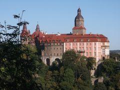 ポーランドとスロバキア13日間の旅⑦ 緑の中のクションシュ城