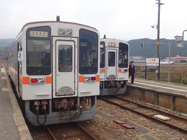 愛知・伊勢志摩の旅(13)たった1両のローカル線名松線に乗って伊勢本街道奥津宿へ