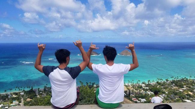 3日目から帰国まで<br /><br />今年も夏休みに、高校3年生の双子を連れて、ハワイへ行ってきました(^O^)<br /><br />今年は、飛行機のチケット購入が5月と遅くなってしまい、羽田の深夜便が高過ぎて買えず、成田で一番安かったハワイアン航空にしました。<br /><br />ホテルは、昨年と引き続きワイキキビーチマリオット  お部屋は、ダイヤモンドヘッドオーシャンビュー指定にしました。<br /><br />いつもより1泊少ない4泊6日だったので、毎日がバタバタ忙しく、行きたいところも行けなかったのが残念でした。<br /><br />エアチケット<br /> ハワイアン航空サイトから 1人 126,580円<br /><br />ホテル   <br />マリオットサイトから4泊 $1525.32(リゾートフィー1日$37含む)