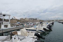 美しき南イタリア旅行♪ Vol.393(第14日)☆オートラント漁港から城壁と旧市街の風景♪