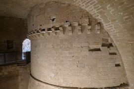 美しき南イタリア旅行♪ Vol.397(第14日)☆オートラント旧市街:ペラスギ要塞の中に驚きの丸い塔が隠れていた♪