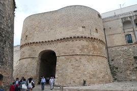 美しき南イタリア旅行♪ Vol.400(第14日)☆オートラント旧市街:アルフォンシーナ城門/テッラ門を抜けて♪