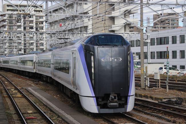 東京新宿と長野県松本を結ぶJR東日本の特急「あずさ」。<br />最近新型車両になったので、新型の「あずさ」に乗って安曇野周辺に行ってみました。<br />
