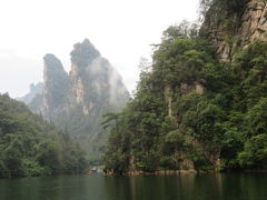 中国 「行った所・見た所」 張家界・武陵源の宝峰湖遊覧で秘境の雰囲気を
