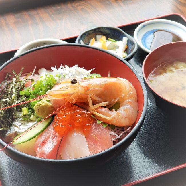 日曜の朝食は小田原で。海鮮丼を求めて姉妹で出かけました。<br /><br />こちらを朝6時半に出発し、開店と同時に入店。<br />お茶もして午後2時半には帰宅していた、つかの間の遠出気分です。