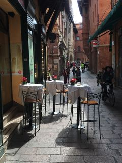 美食の街ボローニャ!「ポルティコ」世界遺産の街並み