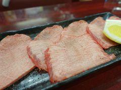 鶴橋で真面目に美味しい肉を提供している数少ないお店の一つ
