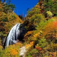 紅葉 の 「安の滝」  ( 秋田 )
