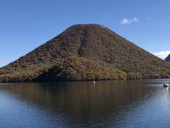 いよいよ見頃、錦秋の榛名湖