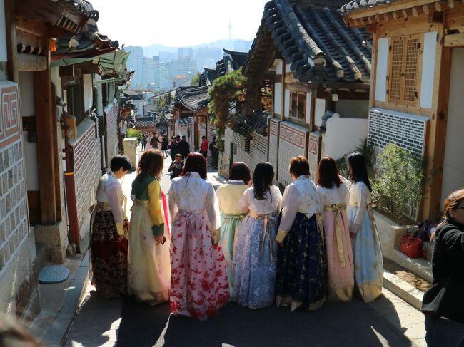北村韓屋村とその付近を歩いてみました。<br />観光客で溢れていました。