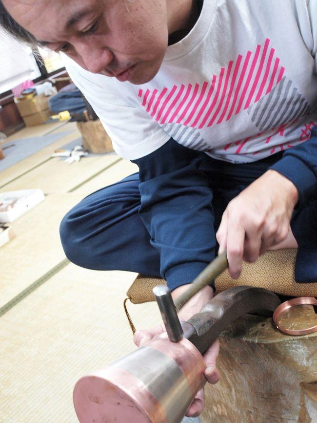 10月初め久しぶりに「Y&amp;Yガーデン」(  http://www.yasuda-yogurt.co.jp/shop/index.html  )のソフトクリームが食べたくなり出掛けました。<br />途中最近(8月8日)オープンした「瓦テラス」(  https://kawara-terrace.jp/  )に立ち寄り一休み。その後「Y&amp;Yガーデン」に向かいました。<br /> 10月4日毎年開かれている「燕三条工場の祭典」(  https://kouba-fes.jp/about-2018/  )に向け出発。三条市に入りJR新幹線の燕三条駅で資料と情報を入手、早速燕市内に向かいました。7日も出掛け三条市内の工場を見学しました。