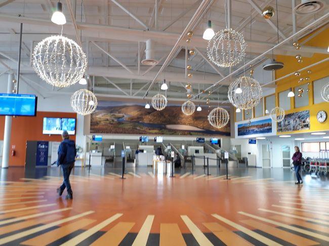 白夜が見たくて、興味津々で出かけたフィンランド<br /><br /><br />エストニアのタリン観光、フィンランドの夜行列車、長距離バス移動、ミニハイキング<br /><br /> 白夜は映像で残せませんでしたが、<br /><br />この歳になっても、ワクワク、ドキドキ出来ることが嬉しかった!<br /><br /><br />いつも家族に言われるのは、私のために周りの人がどれくらい気を遣ってくれてくれているか・・・。<br /><br />ハイ、重々 肝に銘じておきます。<br /><br />ホテルのフロントの方、インフォーメーションの女性、トラムの運転手、バスのドライバー、そして、出会った人々<br /><br />皆さんのおかげで、楽しい思い出が、また一つ出来ました。<br /><br />ありがとう!!!<br /><br /><br /><br /> 6月17日  成田~ヘルシンキ<br /> 6月18日  エストニア・タリン日帰り観光<br /> 6月19日  ヘルシンキ市内観光、夜行寝台列車でロバニエミに出発<br /> 6月20日  早朝ロバニエミ到着。サンタクロース村へ。<br /> 6月21日  バスで、サーリセルカへ移動<br /> 6月22日  サーリセルカで、ミニハイキング<br /> 6月23日  サーリセルカ~イヴァロ~ヘルシンキ<br /> 6月24日  成田到着<br /><br /><br /> この旅の始まりは<br /><br />   https://ssl.4travel.jp/tcs/t/editalbum/edit/11398839/