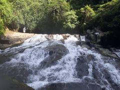 穴場スポット!渓流瀑の滝壺で水遊び