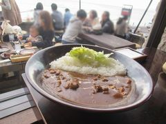 鎌倉の海岸ウォーキング旅(3)七里ガ浜にある湘南の人気カレー店珊瑚礁モアナマカイ店へ