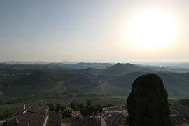 美しき南イタリア旅行♪ Vol.562(第20日)☆ロレート・アプルティーノ古城ホテル スイートルームから美しい朝の風景♪