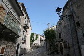 美しき南イタリア旅行♪ Vol.590(第20日)☆美しき山岳村「ロッカカラマニコ」中世時代の面影♪