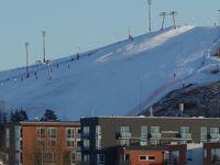 ストックホルム街中からスキー場が見えます