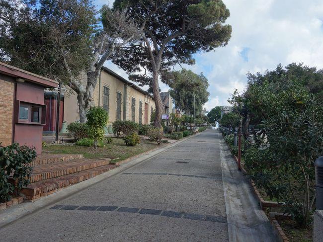 メッシーナまでカラヴァッジョ巡り。トラムに乗って郊外の美術館までいきました。