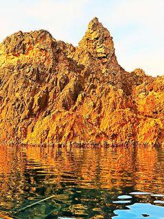 佐渡島-7 尖閣湾b 海中透視船-湾内巡航15分 ☆断崖・岩礁 陽光に輝いて