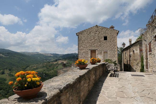 美しき南イタリア旅行♪ Vol.638(第21日)☆Roccascalegna:美しき古城「ロッカスカレーニャ城」へ歩く♪