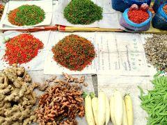 古の都ルアンパバーンでのんびりと 4 托鉢を見た後に、朝食のハシゴ