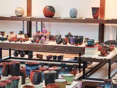 佐渡島17 玉堂窯元 無名異焼:堅牢/美光沢 名品を鑑賞 ☆湯呑茶碗二つを購入し