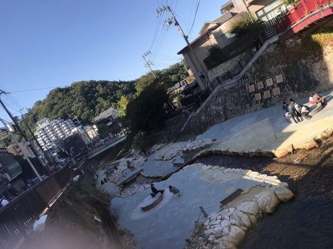 映画をよく観に行くのですが、全く観に行く気は無かった映画「若おかみは小学生!」、SNSで話題になっており、ちょっと観に行ってみるか、と観てみれば年甲斐もなく号泣してしまいました。<br />そして、映画の中の温泉は有馬温泉がモデルの一つという事で、大阪から近い割に行ったことの無い有馬温泉へ、聖地巡礼がてら行ってみる事にしました。