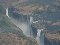 南部アフリカ4カ国7日間の旅(5)ビクトリアの滝ヘリコプター遊覧飛行、帰国