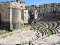 スポレート ローマ劇場からアルボルノツィアーナ要塞へ