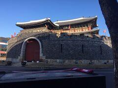 世界遺産 ソウルから特急セマウル号で城郭で囲まれた水原華城へ