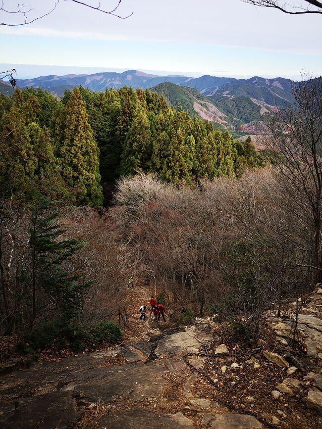 寒い季節にも山に登りたい!ってことで、飯能市にある伊豆ヶ岳に登ってきました!