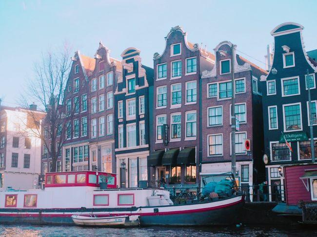 21日間、ヨーロッパをひとり旅しました。(個人旅行)<br /><br />ヨーロッパで1度も鉄道に乗ったことがない私が鉄道に乗ってひとり旅。<br /><br />2日目の午後はケルンからICEでアムステルダムへ。はじめてのオランダです。