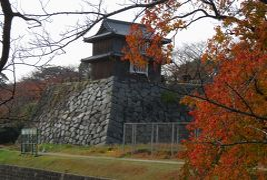 2018暮、佐賀と福岡の名城巡り(2/12):12月1日(2):福岡城(2):鴻臚館、祈念櫓、扇坂御門跡、城跡の黄葉と紅葉