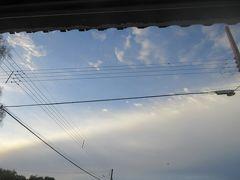 朝焼けと断層雲、インドネシア噴火前兆も見たことやし