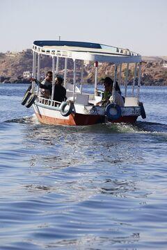 Wonder one dollar! HISエジプト8日間の旅(2)アスワンダムの湖上に浮かぶフィラエ島のイシス神殿へボートトリップ。