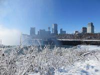 雪を踏みしめナイアガラの滝を楽しもう!