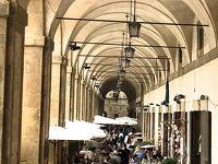 アレッツオ 毎月第一日曜のアンティークマーケット &世界遺産